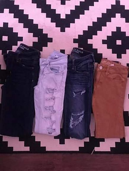 ad 4 pairs of ae jeans