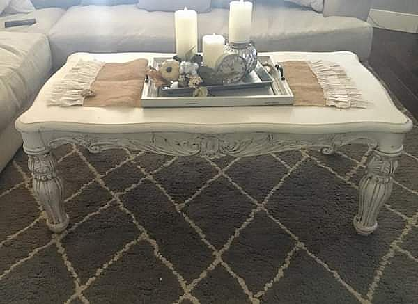 ad awesome farmhouse coffee table!