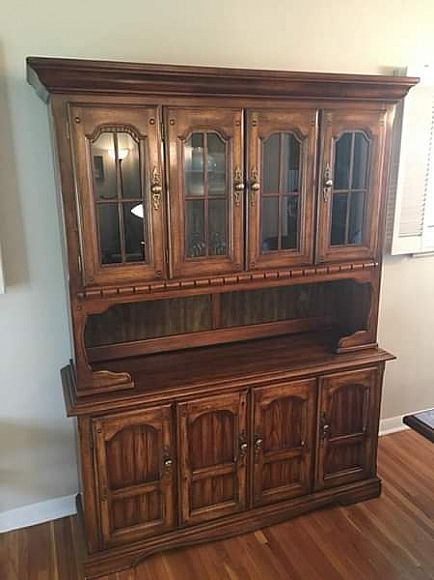 ad moving sale - dining set