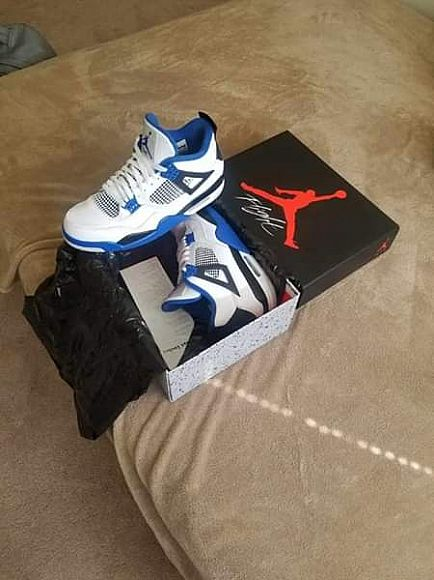 ad mens size 12. $200