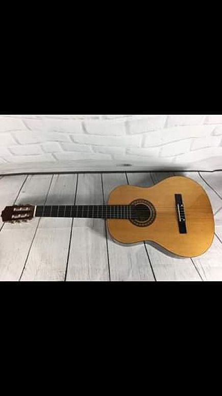 ad montana / cl-80 concert / classical guitar with soft case