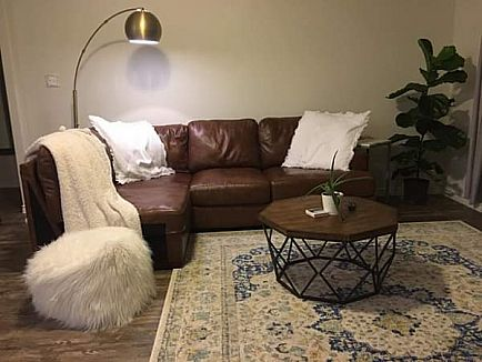 ad 1 year old leather sectional couch