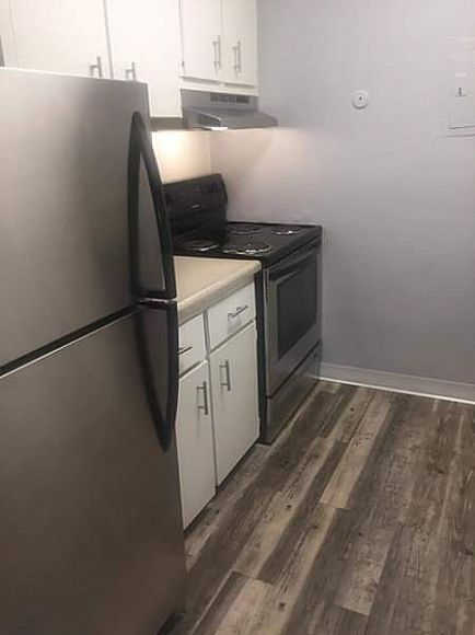ad 2 beds 1 bath apartment for rent