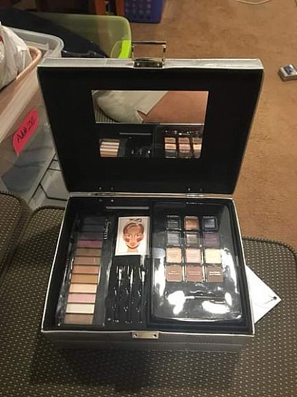 ad ulta beauty be charming 42 piece collection new
