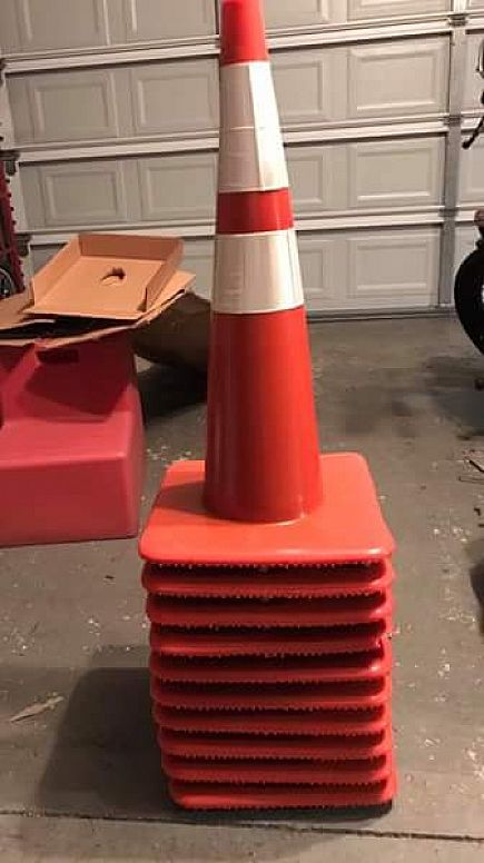 "ad 10-new 28"" traffic cones"