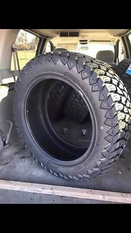 ad set of 4 tires 275-55-20