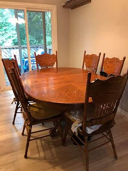 ad dining table and chairs