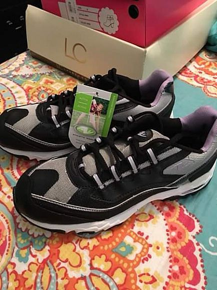 ad athletic works tennis shoes