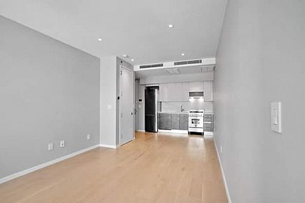 ad brand new larger studio for rent in long island city with washer/ dryer in apt