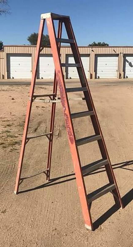 ad 8' a frame ladder