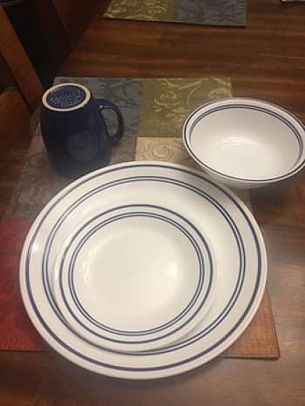 ad corelle blue and white