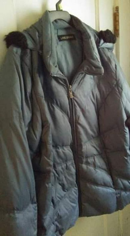 ad lane bryant winter coat size 22/24 with hood