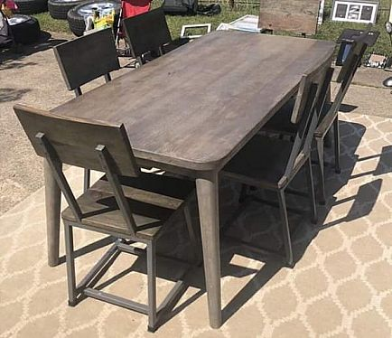 ad $600 $2200 new kitchen table and chairs from io metro
