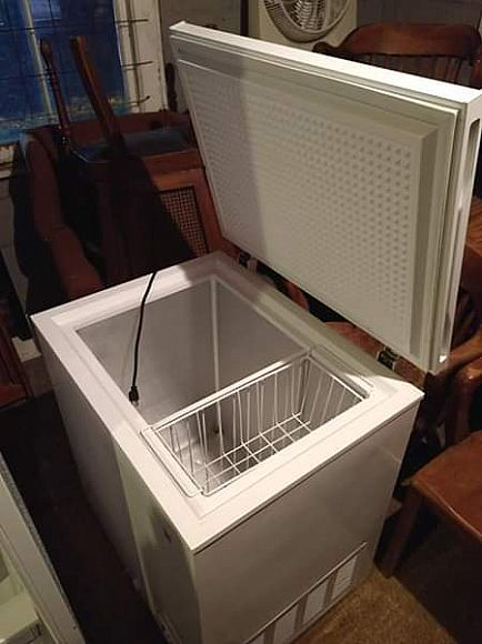 ad ge 5.0 cubic ft white chest freezer