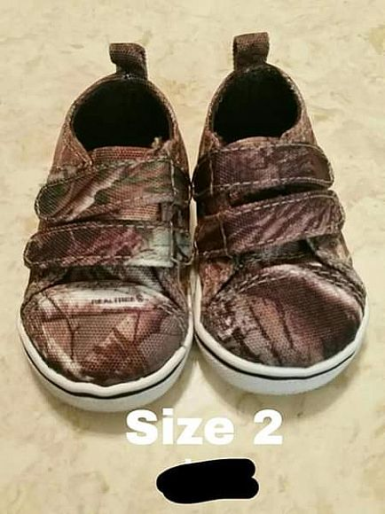 ad baby shoes