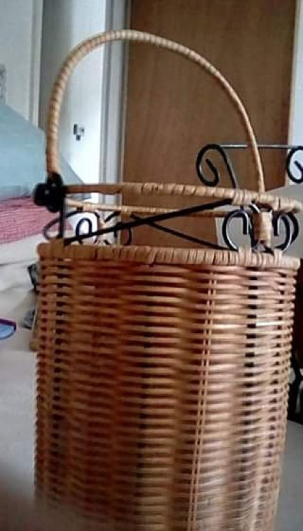 ad wicker wine carrier with plastic insert 10 inches tall with additional 4 inch handle