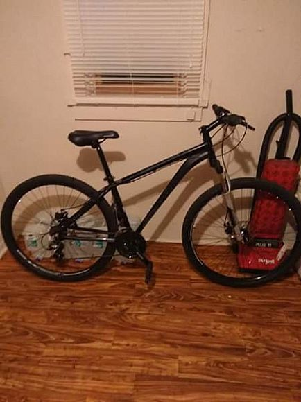 ad schwinn acension 29er new condition front and rear disc brakes