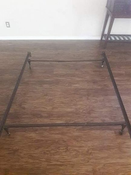 ad **3 bed frames* $20 each for a twin* full*or*queen size bed*