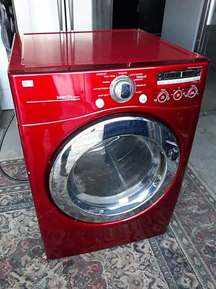 ad lg frontload dryer in perfect working order!