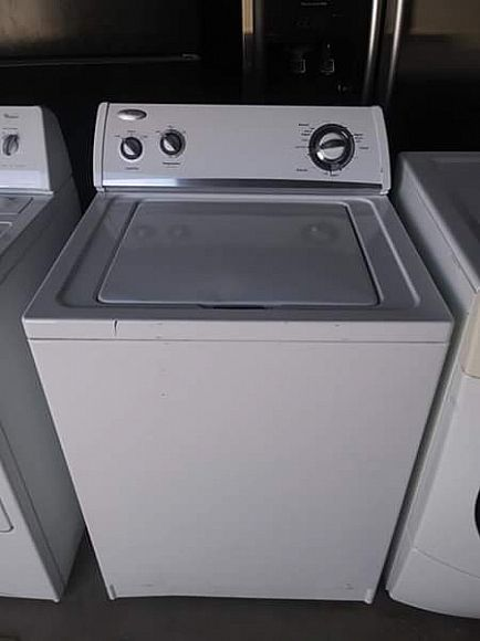 ad whirlpool heavy-duty washer in perfect working order!