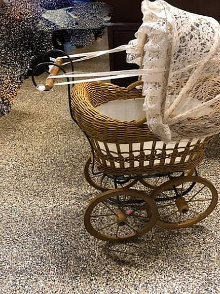 ad cute - display only baby carriage - four wheels, lace hood, handle and basket - great condition