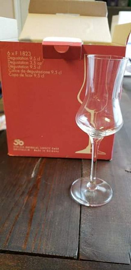 ad box of 6 new degustation glasses 3.5 oz