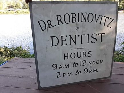 ad old dentist sign