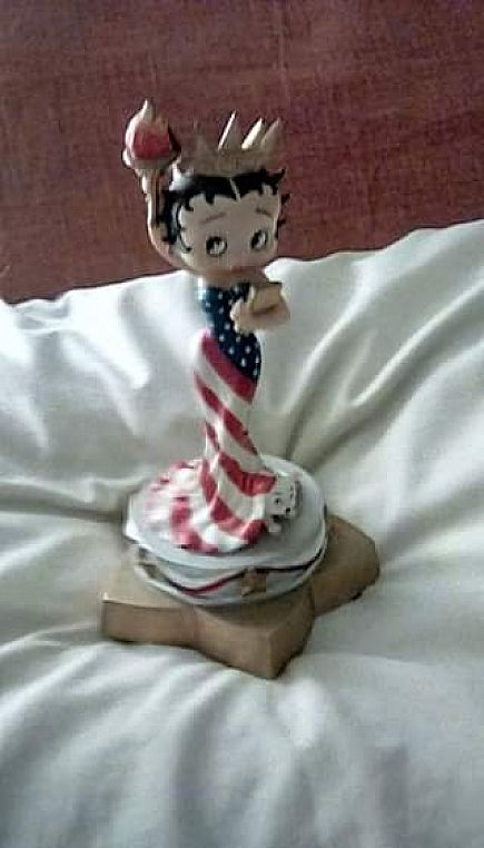 ad betty boop collectible music from san francisco music box co.