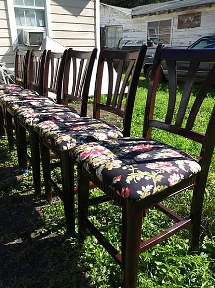 ad beautiful counter height table w6 chairs excellent condition recently refurbished and reapholstered