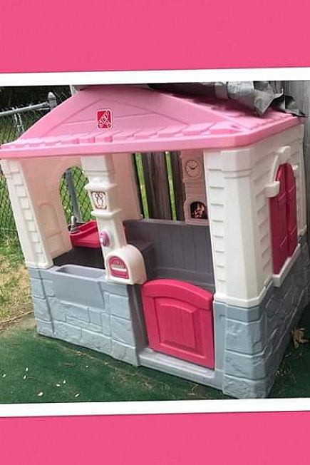ad little tikes pink playhouse (pending)