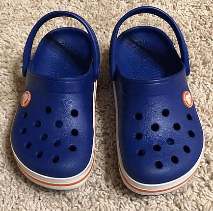ad crocs - kids size 10