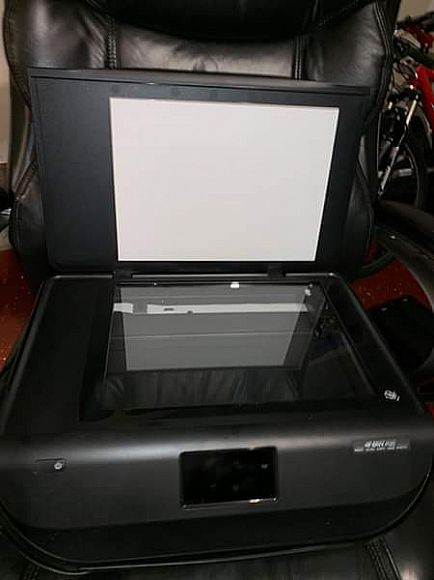 ad hp envy 4520 printer and free chair included
