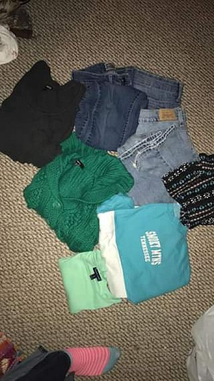 ad lot of womens clothes