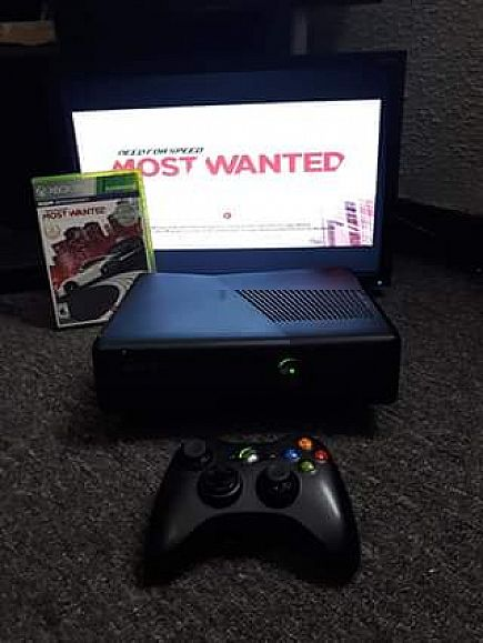 ad xbox 360, wireless controller and need for speed game
