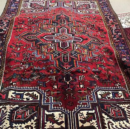 ad gorgeous 7x10ish heriz antique rug.... authentic hand knotted vintage rug
