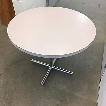 ad knoll dining table