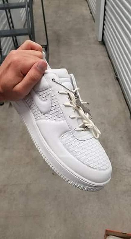 ad nike air force one lux