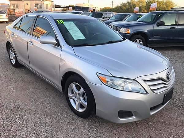 ad 2010 toyota camry le