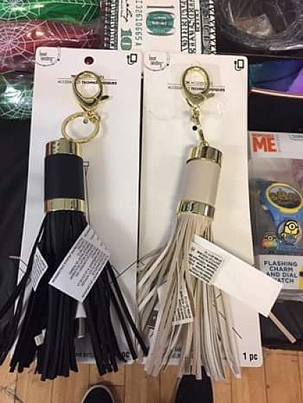 ad dual portable keychain phone 5$ each charger