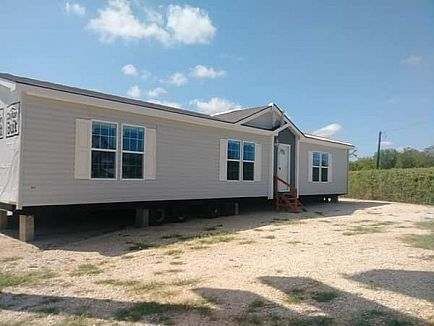 ad clearance model 3 bed/2 bath priced to move!!!