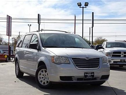 ad 2010 chrysler town and country lx 4dr mini-van