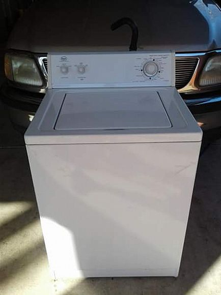 ad whirlpool extra large capacity washer in excellent working condition working condition, $135