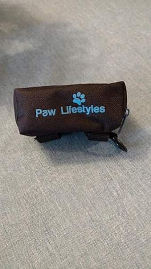 ad poop bag dispenser attachment to leash with room for keys & treats!
