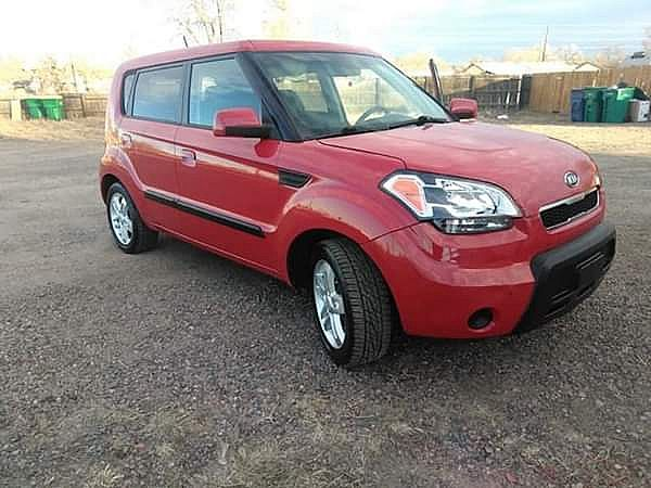 ad nice 2011 kia soul! 4cyl. motor 2.0 good in gas!! low miles only 75k orig. no issues! runs great!!