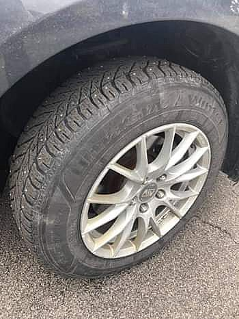 ad studded snow tires