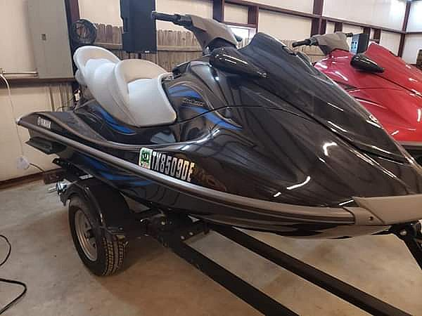 ad 2014 yamaha cruisers and trailer